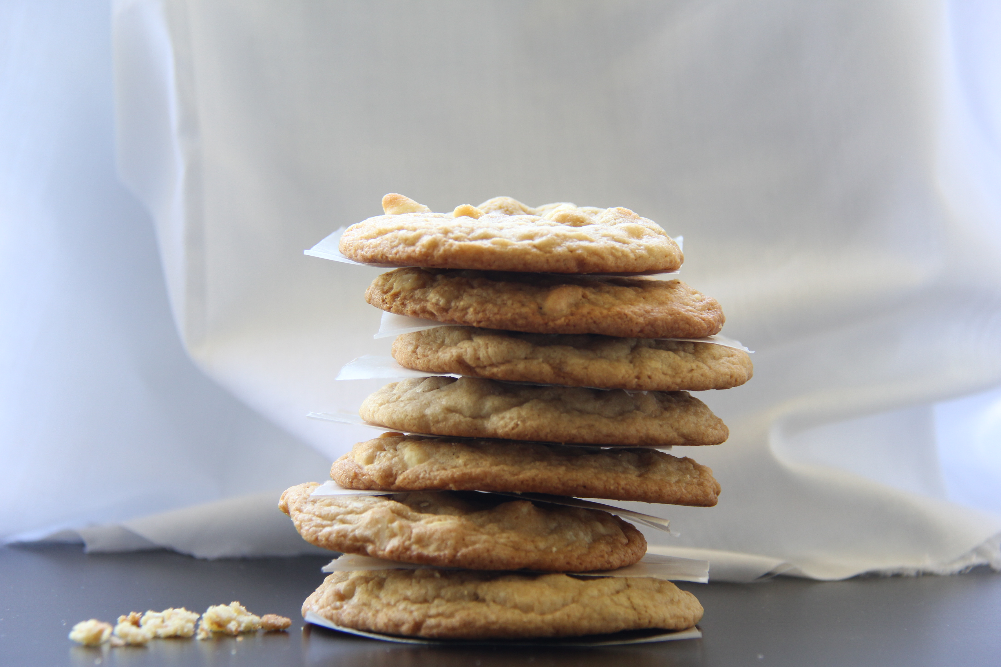 White Chocolate Chips and Macadamia nuts Cookies