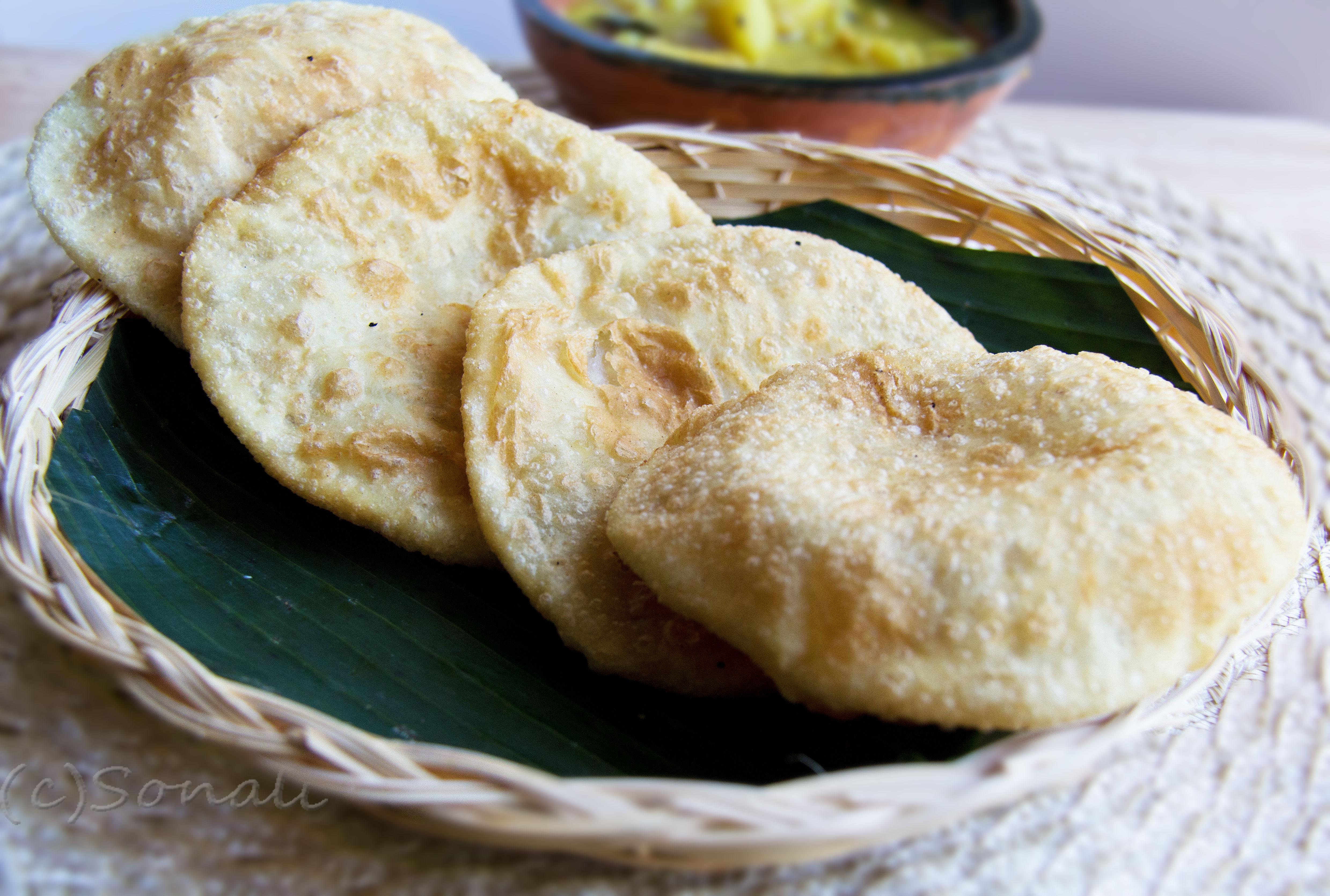 Hinger Kochuri with Alur Torkari : A grand breakfast for Maha Saptami