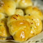 Garlic_butter_knots