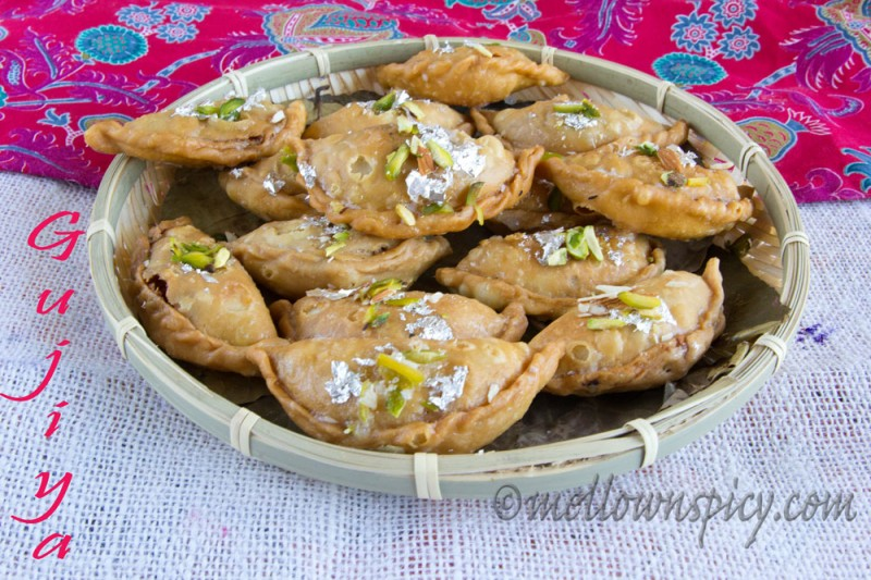 Gujiya or karanji indian sweet puff gujiya forumfinder Choice Image