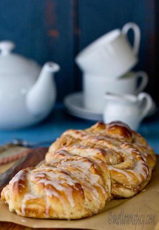Cinnamon Apple Twist Bread