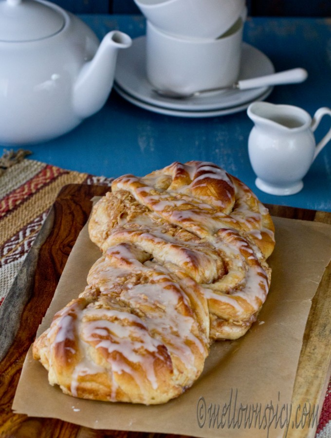 Cinnamon-Apple Twist Bread |Yeast Bread|