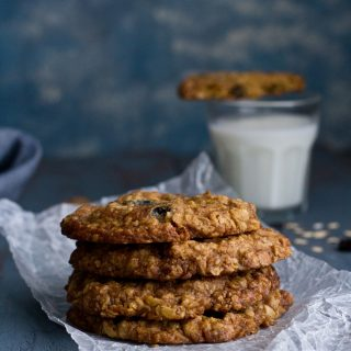 Oats and Raisin Cookie